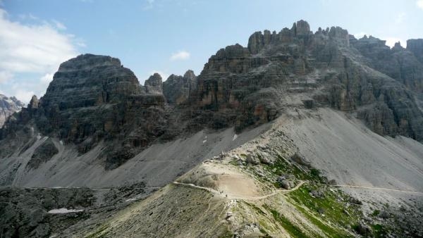 Výhled na Monte Paterno (2 744m n. m.)