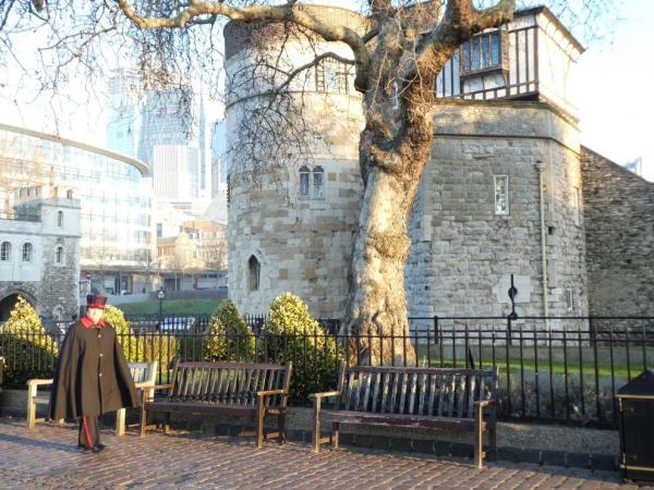 Guardians of the Crown Jewels - Beefeater