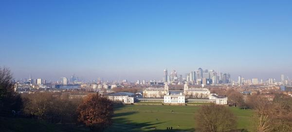 An unconventional circuit of London without tourists