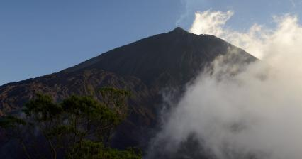 Ascent to Pacaya volcano
